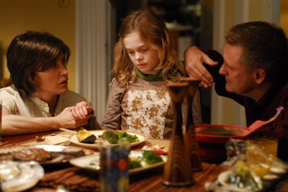 FELICITY HUFFING, ELLE FANNING, and BILL PULLMAN