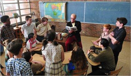 Mr.Simon (Ed Harris) conducts a junior high school literature class.